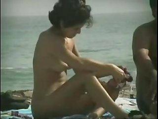 Voyeur the Beach Free Amateur Porn Video View more Hotpornhunter.xyz