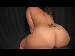 Harmoney Rane's Sexy Booty Bouncin