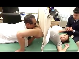 Delicious wife undergoes treatment of the perverted doctor see complete https won pe 5pqyy5