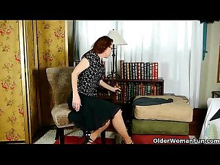 Mom in pantyhose takes her desire to the next level