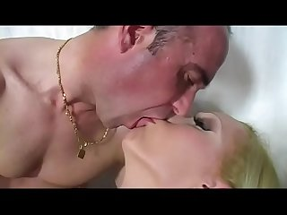 A beautiful and badass tranny (Full Movies)