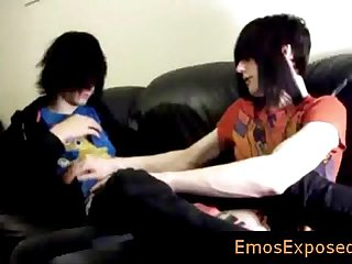 Two gay emo twinks making out on the bed by emosexposed