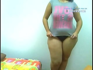 Thick latin american girl with her huge sexy ass. cams22.com