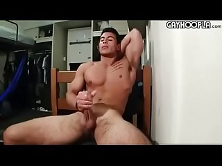 Taylor Shift masturb�ndose