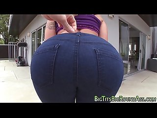 Teen gets booty fingered