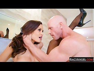 Busty Dark Haired MILF Lisa Ann in Passionate Hardcore Sex with Muscular Big Cocked Johnny Sins