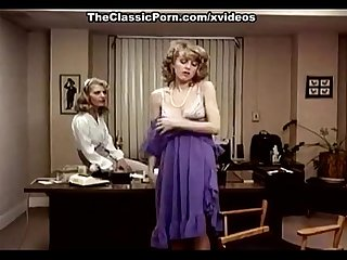 Lee Caroll, Sharon Kane in hairy pussy eaten and dildo-banged in classic xxx